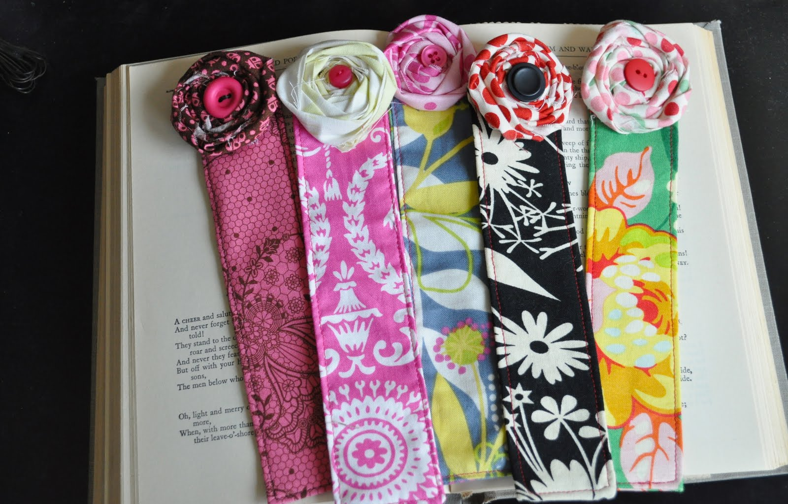 Make fabric bookmarks with your grandchildren grandma ideas for Easy bookmark ideas