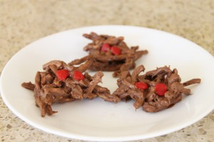 These chocolate spider leg cookies are easy to make and yummy to eat. They are great for your Halloween party.