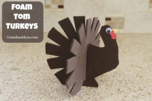 This foam tom turkey is an easy craft for kids. Free printable pattern.