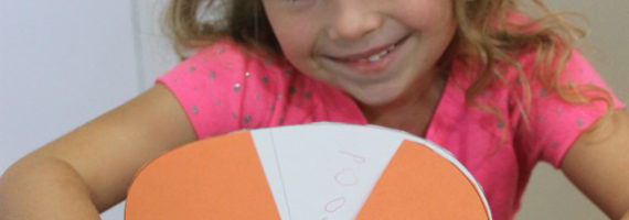 Free printable for this easy Thanksgiving activity that promotes gratitude in kids.