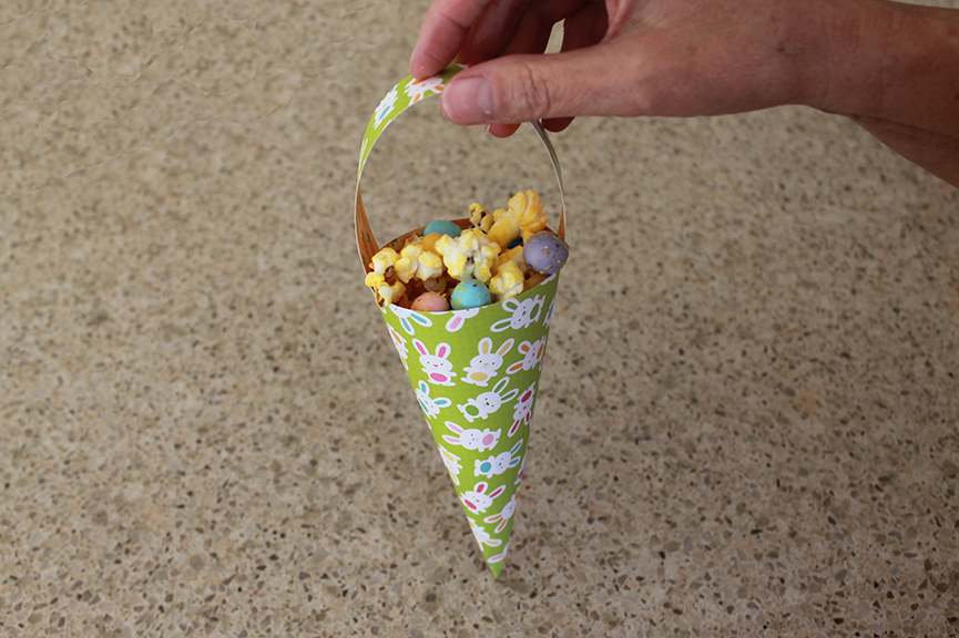 See how to make this cone-shaped Easter basket. Free printable.