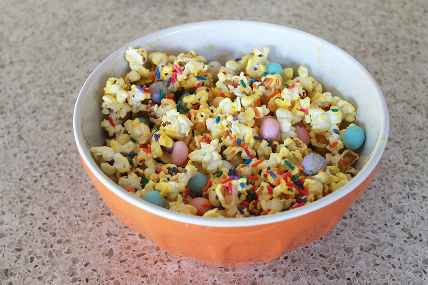 This sweet popcorn treat is SUPER easy to make and SUPER yummy to eat. Kids absolutely love it!