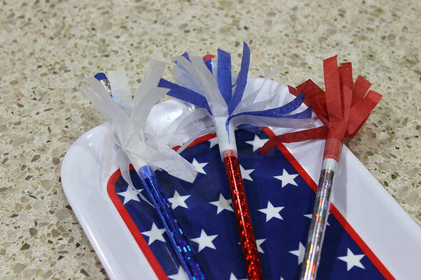 Sparkler pencils are a quick patriotic craft to do with kids that you can complete in less than 10 minutes!