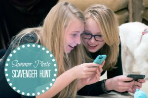 This photo scavenger hunt is a fun activity for tweens and teens! All they need is their cellphone. Free printables available.