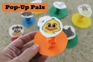 Pop-up pals is a super easy paper craft that takes little preparation. It's CHEAP but kids have tons of fun making them. Free printable available.