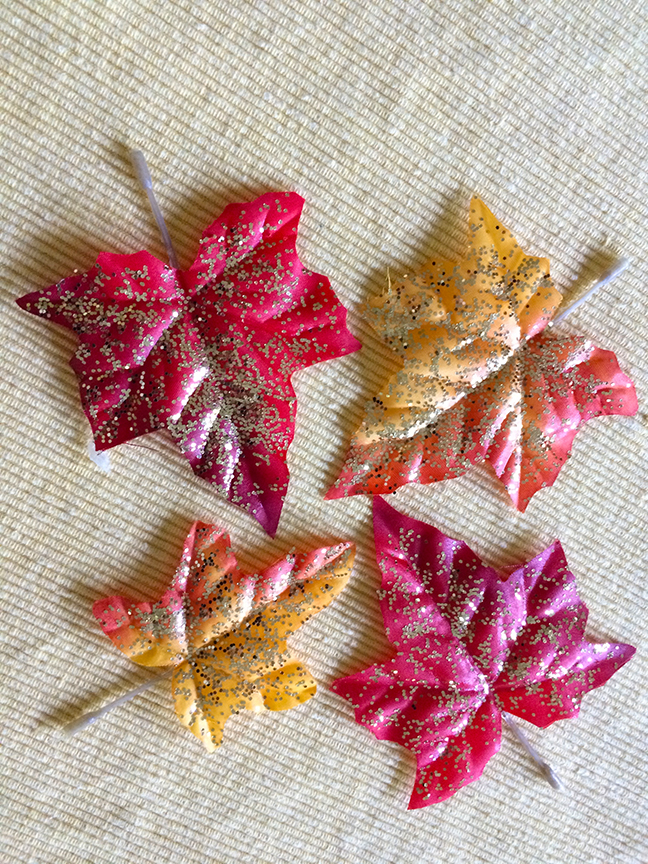 Glitter leaves is the perfect fall craft for kids -- easy to do and inexpensive to make!