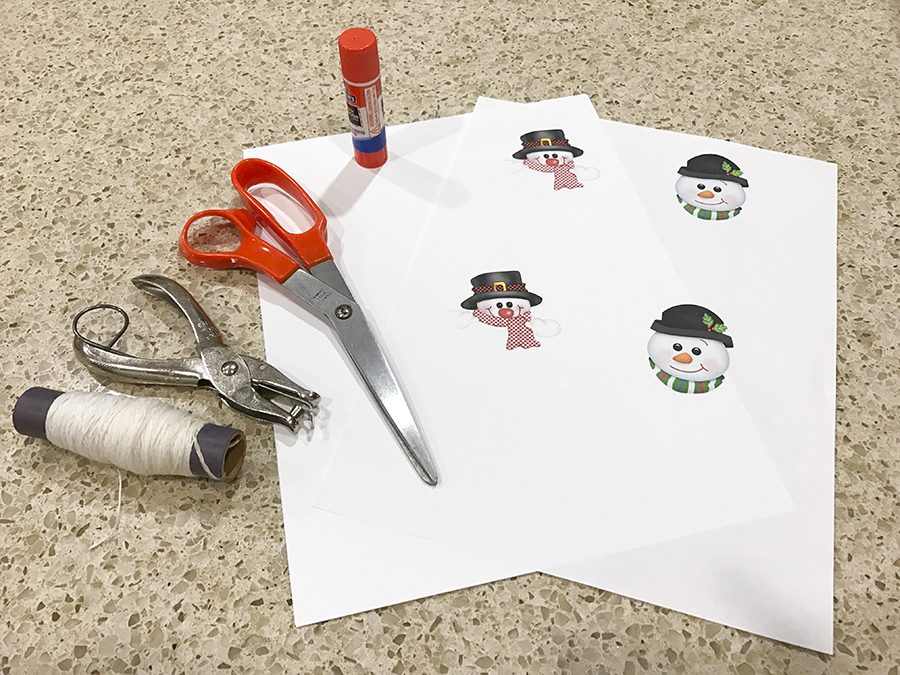 Get your free printable for this easy spiral snowman craft.