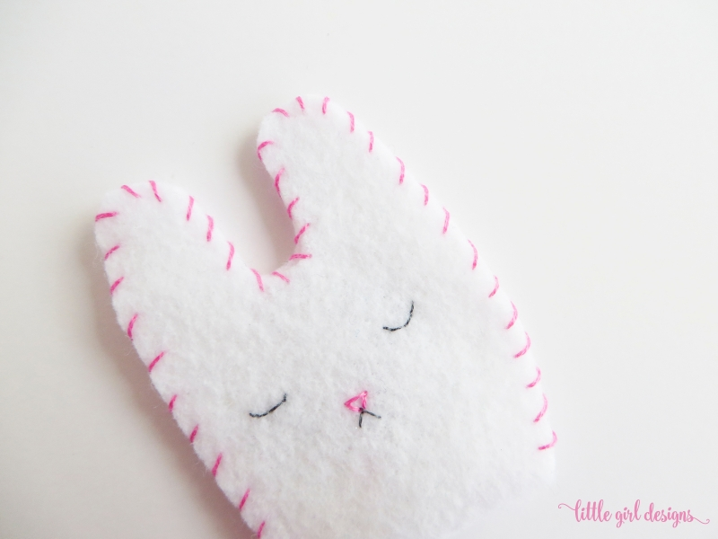 This felt bunny craft was featured at Party in Your PJs #153.