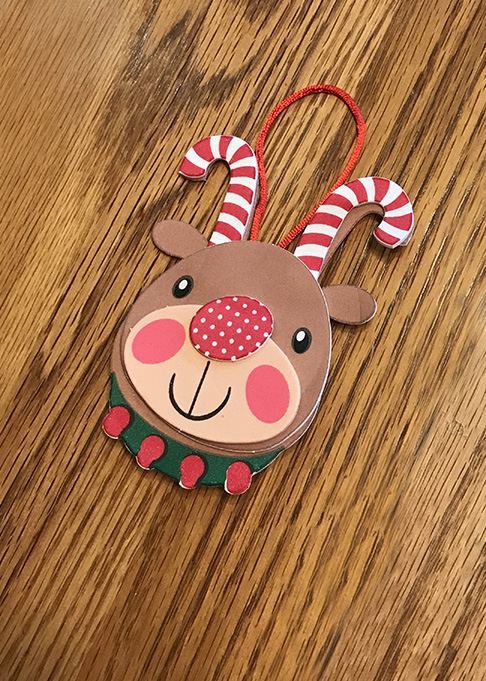 This reindeer craft for kids is SUPER easy for them to make!